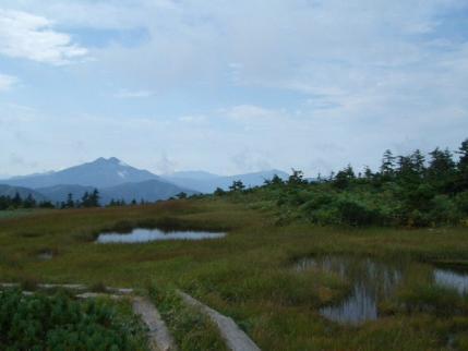燧ケ岳、至仏山が見えてきた