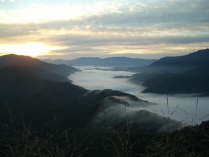 銀山平は霧の下