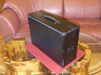 HMV ポータブル型蓄音機