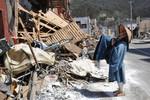 <東日本大震災>がれきの街に読経 盛岡の僧侶、歩き続け