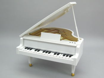 piano_white11.jpg