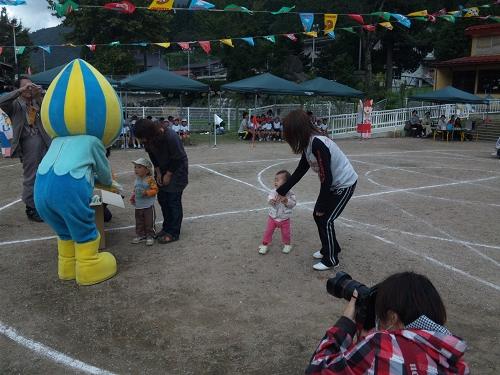 2010.保育園運動会 (7)