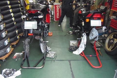 タイヤ交換-2111024