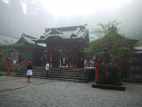 14神社11拝殿