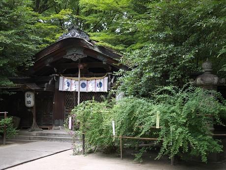 08梨木神社05本殿