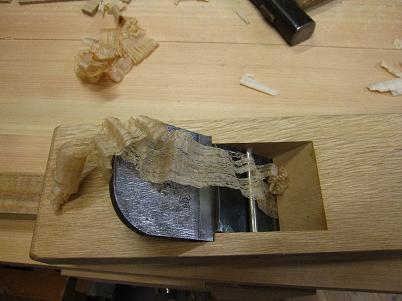仕込みの終わった石堂鉋で試し削り