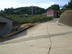 20120526 04 集落の坂