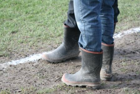 ラグビーの観戦は長靴で