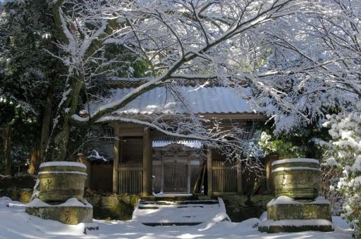 雪の豊栄神社