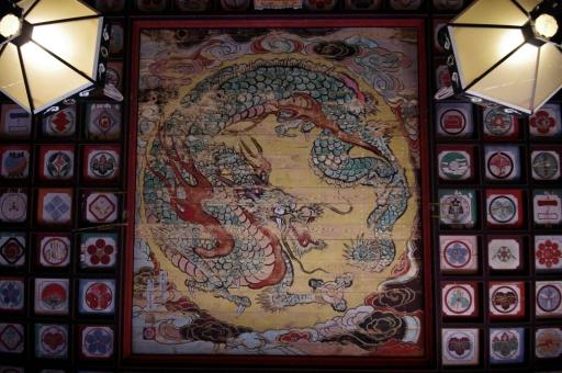 城上神社の鳴き龍