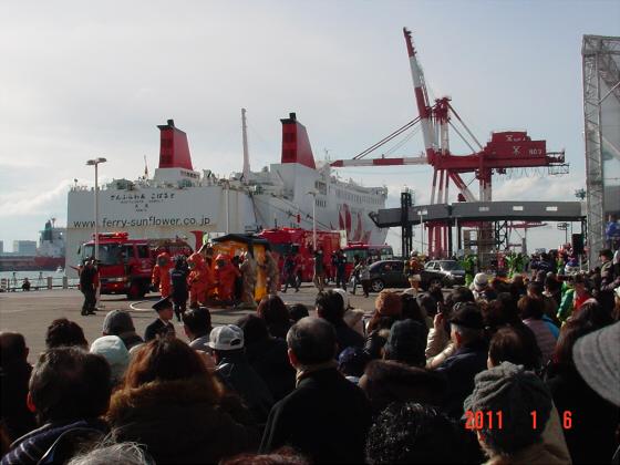 1月頭の消防隊出初式03