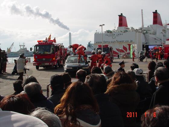 1月頭の消防隊出初式04