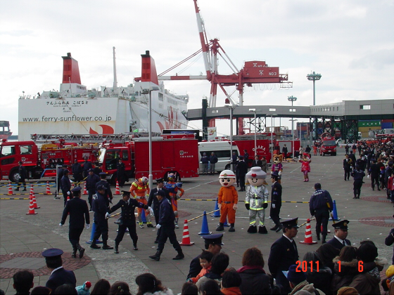 1月頭の消防隊出初式08