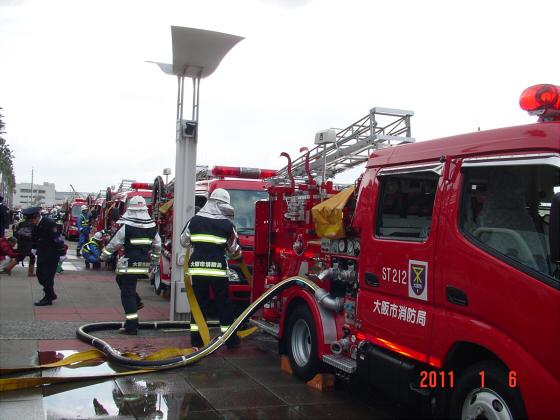 1月頭の消防隊出初式09
