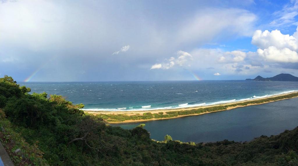 長目の浜に虹