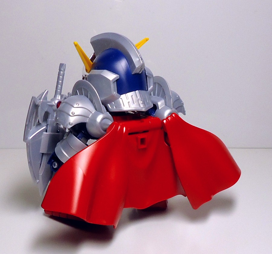 BB-L-KNIGHT_GUNDAM-10.jpg