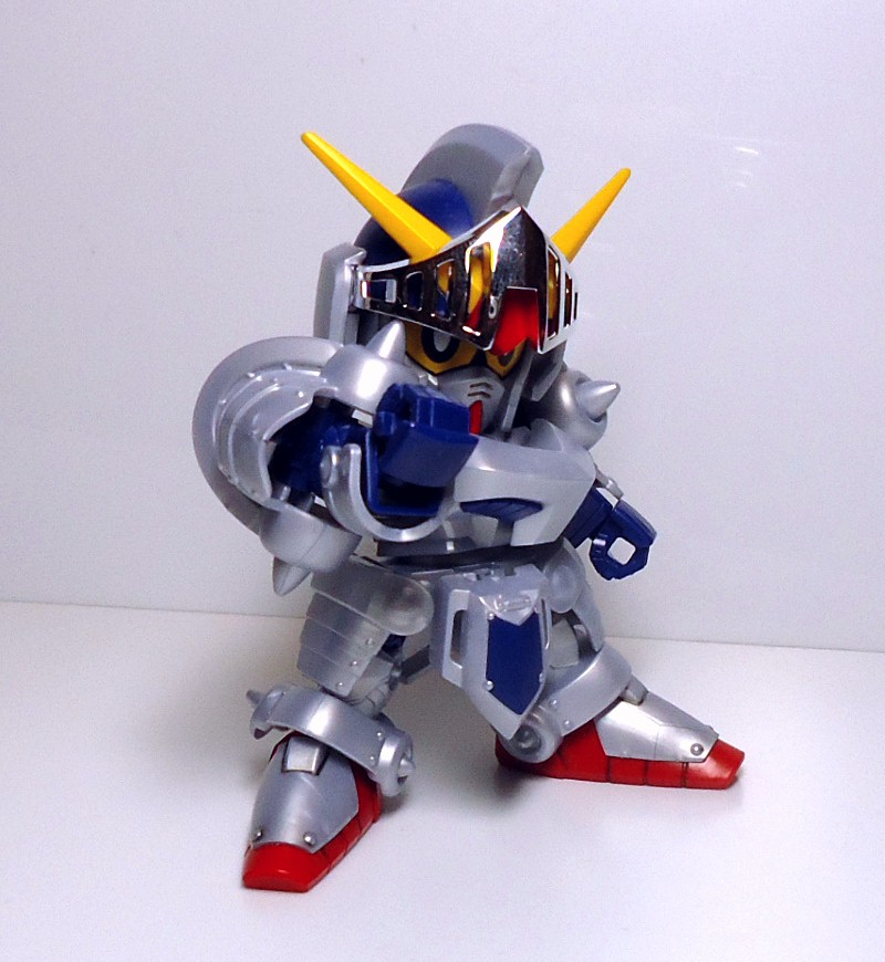 BB-L-KNIGHT_GUNDAM-4.jpg