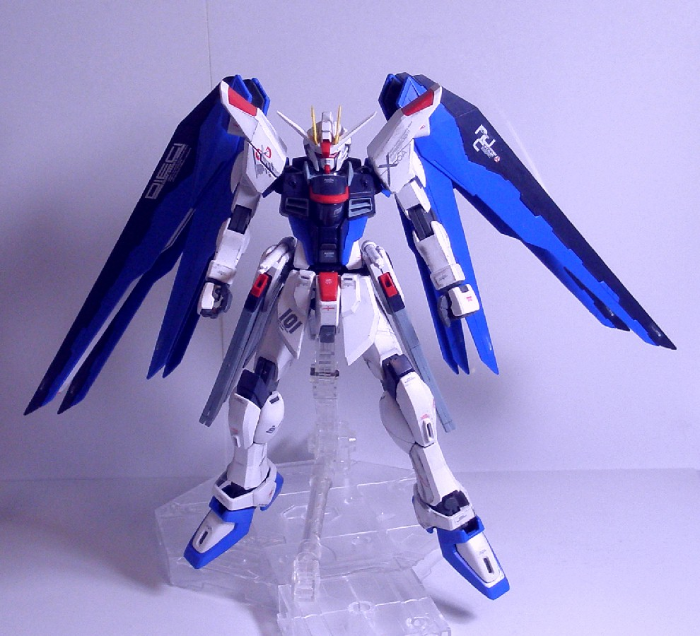 MG-FREEDOMGUNDAM1.jpg