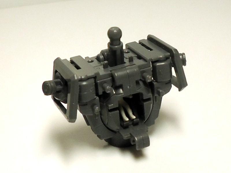 MG-GUNDAM_HEAVYARMS-9.jpg