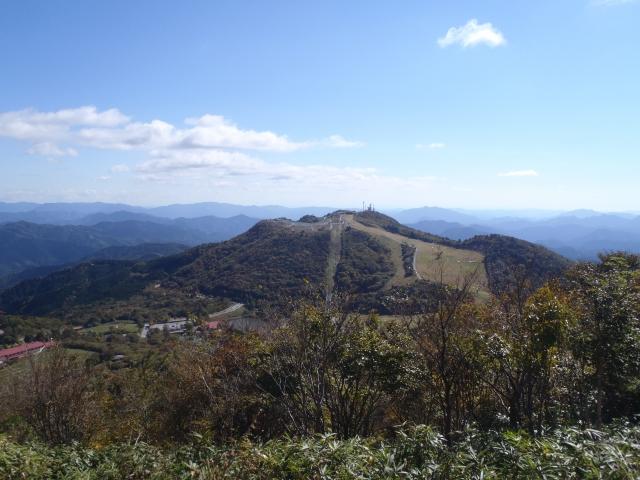 茶臼山から萩太郎山
