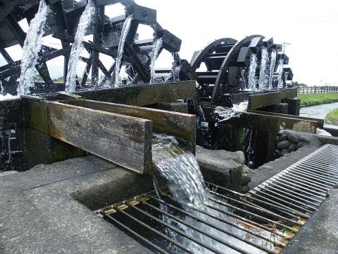 旧聞に属する話2010-二連水車2
