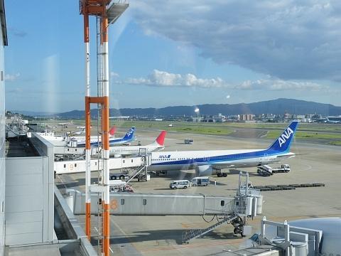 旧聞に属する話2010-福岡空港