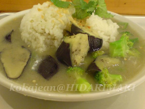 ココナッツミルクと野菜のカレー@ヒダリマキ