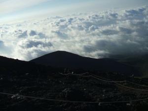 雲海と宝永山