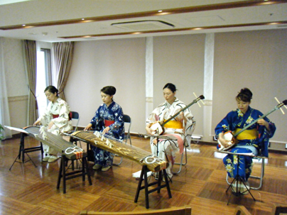 チーム牡丹 箏三味線演奏