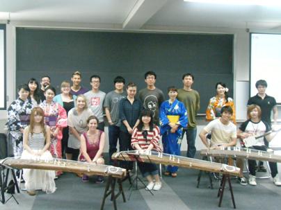 チーム牡丹・留学生のための琴・三味線体験授業