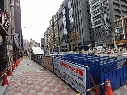 台北捷運新荘線 東門駅 出口