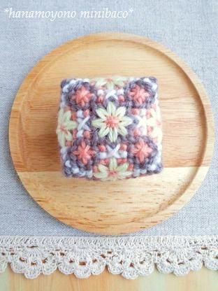 花模様のミニ箱2