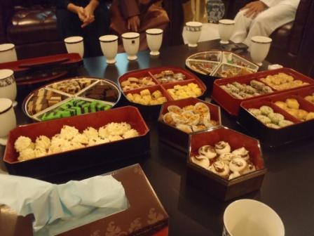 お菓子(和風な入れ物)