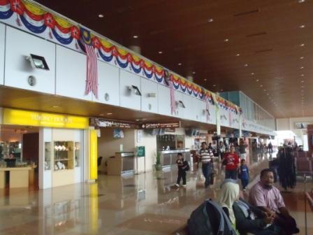 クチン空港ロビー