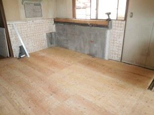 キッチン床下地張り