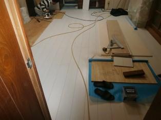 キッチン床フロアー貼り (1)