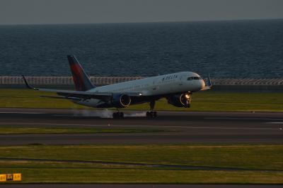 デルタ航空 N537US