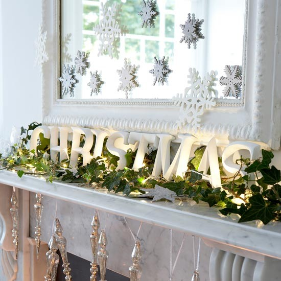 Christmas---Modern---Mantel-decoration.jpg