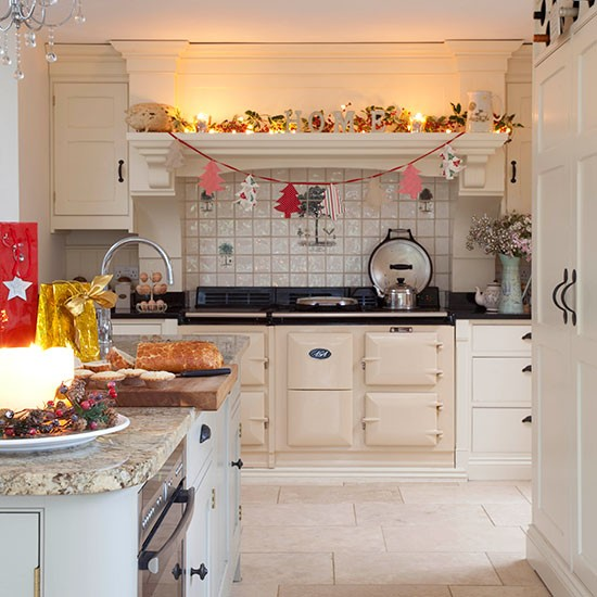 Cream-Aga-Kitchen-25-Beautiful-Homes-Housetohome.jpg