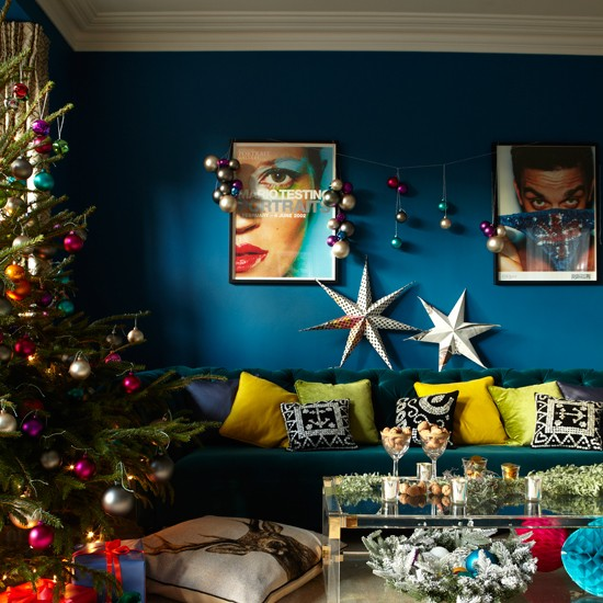 Peacock-Blue-Living-Room-Livingetc-Housetohome_2014112107162387b.jpg