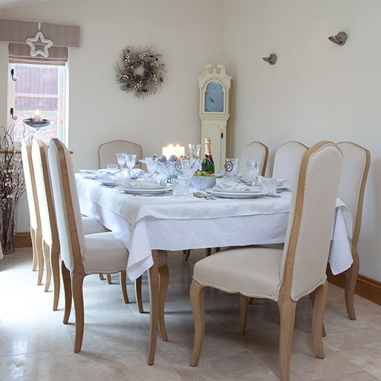 White-Christmas-dining-room.jpg
