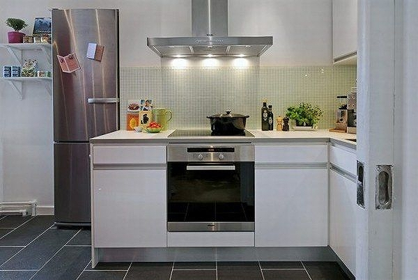 black-and-white-apartment-design-14-554x371.jpg