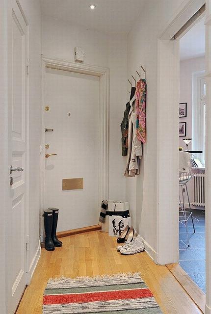black-and-white-apartment-design-23-554x824.jpg