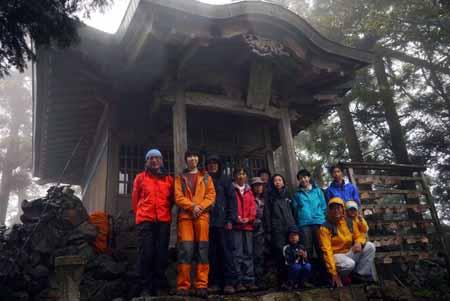 P1010084弥仙山山頂 金峯神社