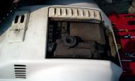 エンジンカバーを開けたところ