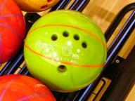 子供用ボウリングボール (5本指)