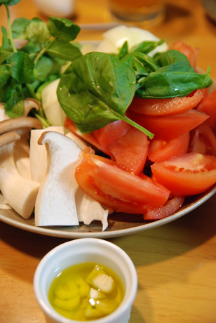 トマトすき焼きの具材