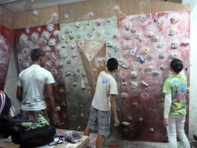 登りに来ていた子供たち。