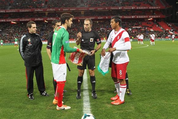 20131228バスク対ペルー (15)