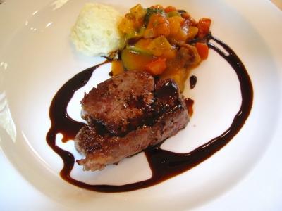 牛肉料理。